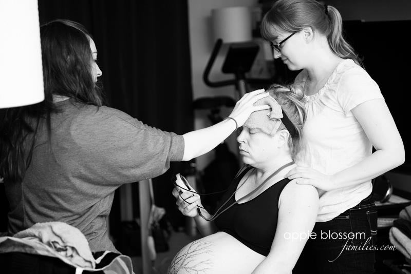 A doula at work. Photo by Apple Blossom Families